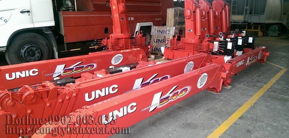 Cần cẩu Unic V540